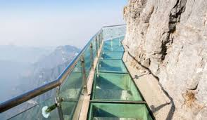 glass-cliff